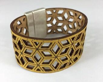 Gold Cork bracelet, Free Shipping, bracelets, vegan ideas, sustainable fashion, Made in Portugal