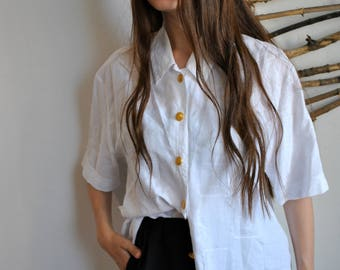 White classic blouse 1990s 1980s vintage womens casual short sleeve shirt