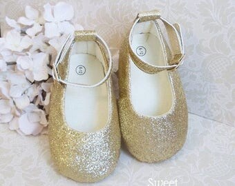 Baby Girl Shoes, Gold Toddler Shoes, One Year Old Girl Birthday Outfit, First Birthday Outfit, First Birthday Outfit Girl, Flower Girl Shoes