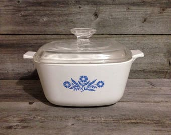 Vintage Corning Ware Blue Cornflower 1 1/2 quart casserole dish with lid | As is