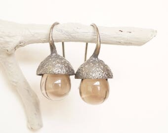 silver acorn earrings with smokey quarzdrops