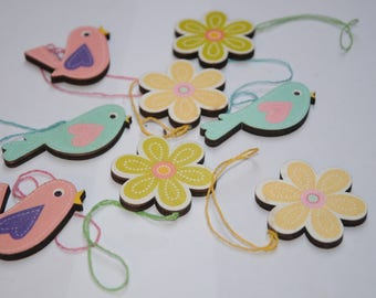 Set of 8 embellishments hanging