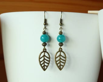 Earring Bohemian bronze leaf and Indian turquoise bead