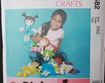 McCalls 7582   Cloth Doll and Clothes