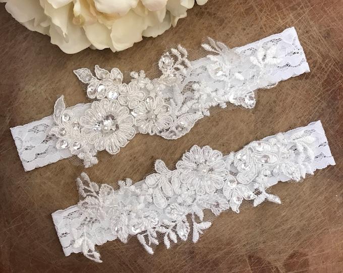 Wedding Garter set, ivory bridal garter, vintage floral lace bridal garter
