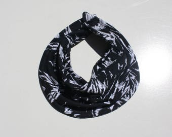 Bandana Bib / Monochrome Bib / Drool Bib / Drooler Bib / Dribble Bib / Bibdana / Boho Baby Clothes / Baby Bib Bulk / Teething Drool Scarf