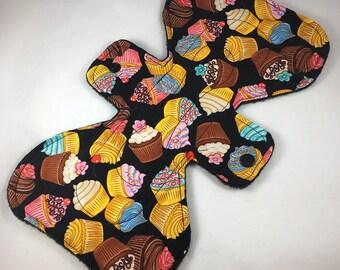 "Cupcakes - Black - 9.5"" inch - 3L - Reusable Cloth Pad"