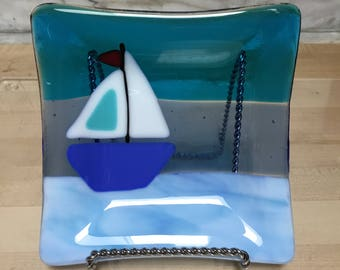 Fused glass sailboat dish