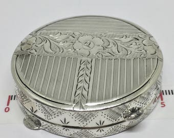Silver round box, beautiful engraved pill box 1935, Hallmarked 900 Austria