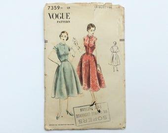 1950s B34 Peter Pan Collar Dress Sewing Pattern : Vogue 7359