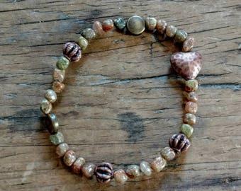 Agate and metal beaded bracelet