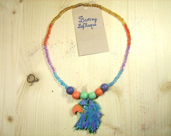 The glitter Eagle head necklace and pearls