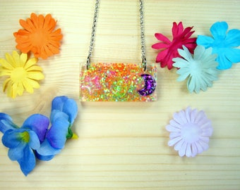 """Necklace """"pointillism"""" resin with glitter inclusion"""