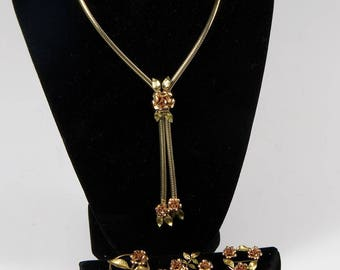 Krementz Roses: 3 pins, ,and one glide necklace in rose and yellow rolled gold. Something for all!