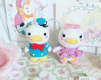 Amigurumi de poupée au crochet Marguerite ou Donald Duck disney