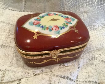 Vintage Limoges porcelain trinket box