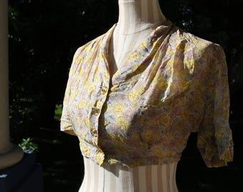 40s/50s Floral Button Up Crop Top
