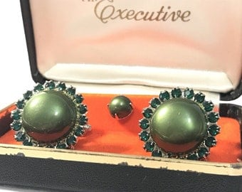 Vintage Mr. Executive Green Rhinestone Cufflinks Tie Tac Set in original box New Old Stock