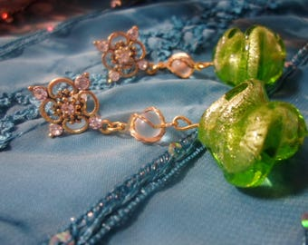 Earrings and its Green and gold swirls