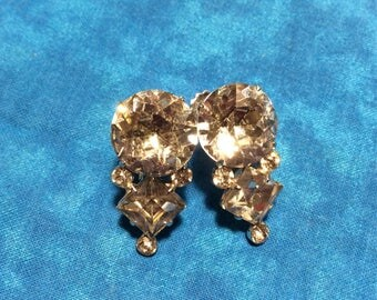 Vintage Coro Clear Rhinestone Earrings ~ Clear Rhinestone  Screw Back Earrings