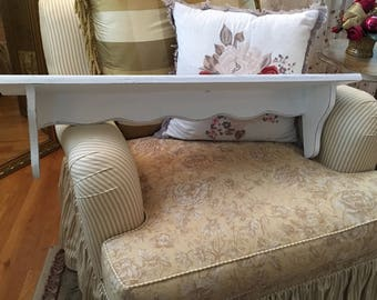 Wall Shelf, Scallops, Shabby Chic, Cottage Chic, Country French, White, Lightly Distressed