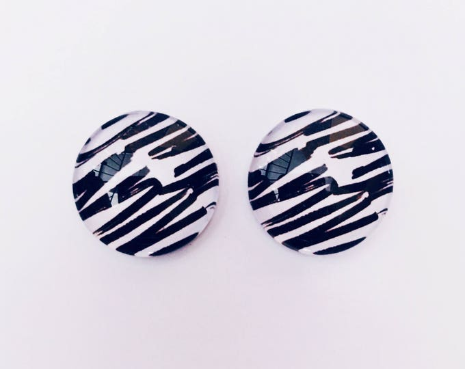 The 'Ella' Glass Earring Studs