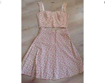 """1950s rockabilly pin up dress size 18-20 bust 44"""" lemon yellow with red rose print skirt and matching top"""