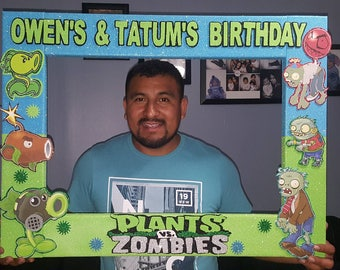 Plants vs zombies Party Photo Booth Frame - Birthday Party Prop Birthday Photo Booth- kids party theme - Marco para fiestas
