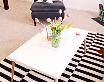White Coffee Table w/ Wooden oak legs