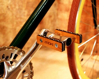 Bike accessories / bike pedals / wooden pedals / bike parts / fixie pedals