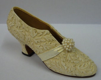 Just The Right Shoe - I Do 25031 Raine Willitts Designs 1999