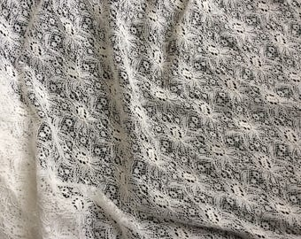 Fabric beige lace in 110 cm from the aize Foundation