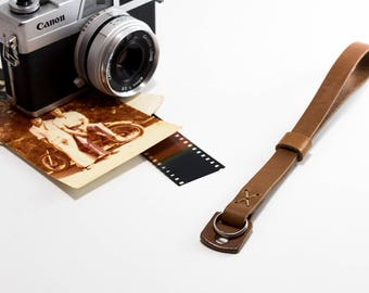 Leather camera wrist strap - Smith by AlterSkin