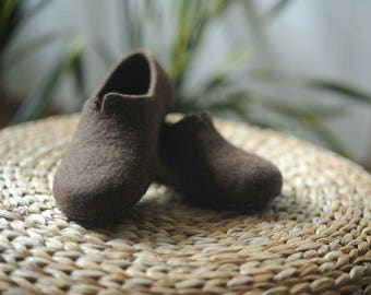 Gift for men felted slippers gift for him Brown Wool shoes Felted House Shoes Felt Slippers Felt Shoes with leather soles