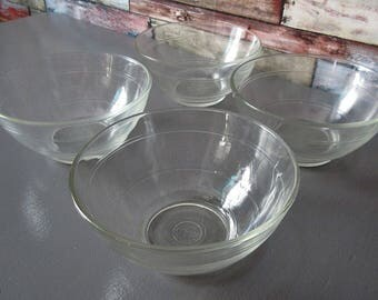 4 vintage Duralex glass bowls. Vintage 1960/1970 .communicate France. Design. The table.glass art.