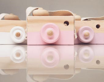 Handmade wooden toy camera available in pink, white, purple, blue & green. Natural retro vintage kids toy camera. Pastel kids decor and play