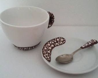 Breakfast mug with Pan of stars decoration including saucer and hunt. Washable not in dishwasher.