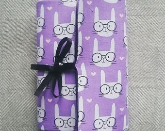 Adjustable book cover - rabbits