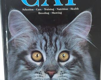 Vintage cat encyclopedia book  1990's, 90's