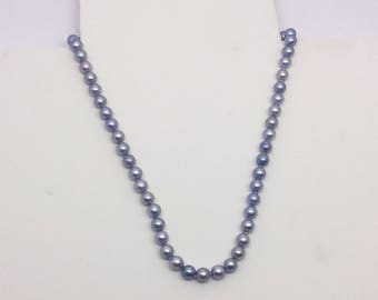 14k white Gold grey pearl necklace
