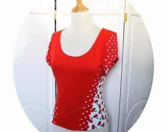 Top strapless red and cherry jersey, short sleeves, hautrouge peas fitted, short sleeves, red top has polka dot style