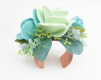 Felt Succulent Wrist Corsage . Bridesmaids Corsage . Wedding Corsage . Mint Green Floral Bracelet