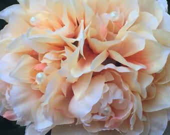 Pretty Peach Centerpiece