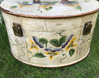 Vintage Painted storage box/Jewelry Box/Home decor.