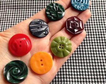 8 Vintage buttons, c1940s - 1950s