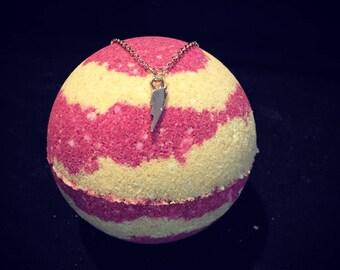 Lightning Necklace Bath Bomb