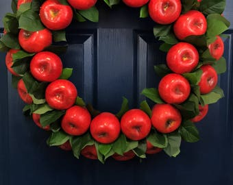 Apple Wreath with Leaves