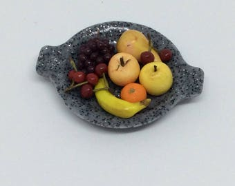 1: 12th scale miniature fruit dish