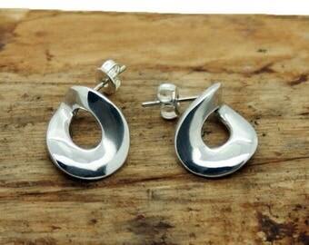 Sterling Silver Open Tear Earrings (NA32)