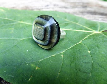The sheet - translucent green button ring - 925 sterling silver Adjustable ring
